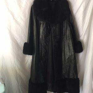 Jackets & Blazers - Vintage black leather coat with Faux fur trim